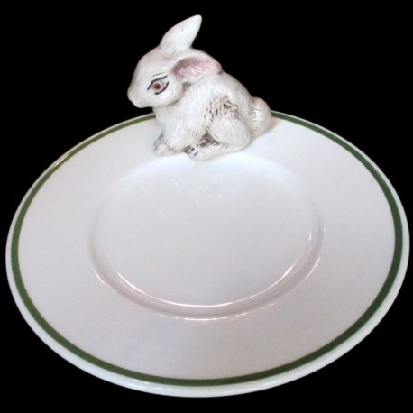 White rabbit on side of a small plate D 16,6