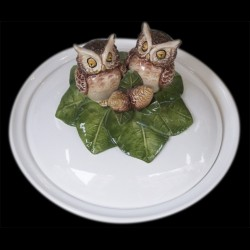 Dish deep plate with owl on the top