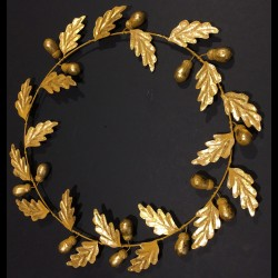 Gilted oak wreath